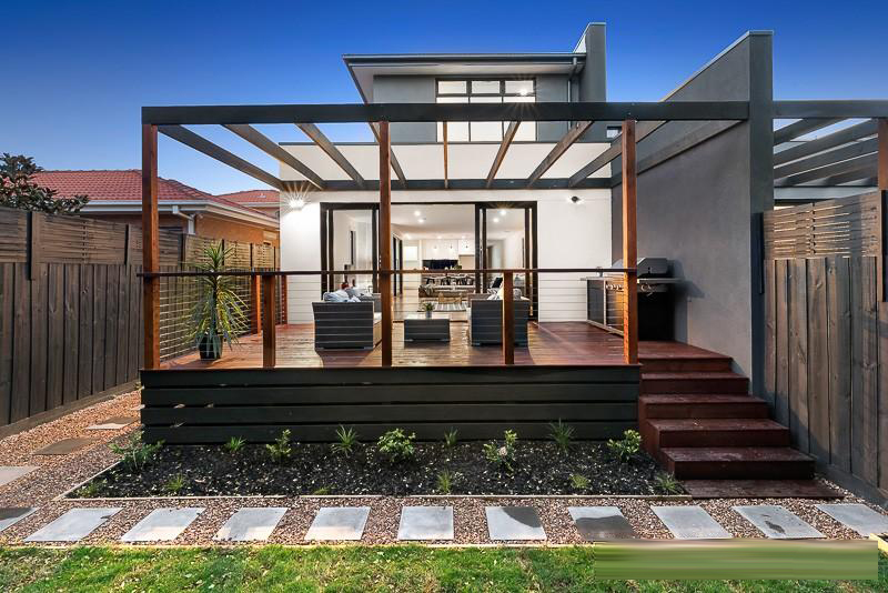 designing a double storey home to create more space on a narrow block