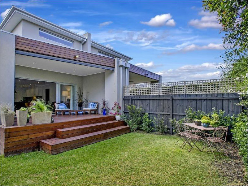 Ogilvie-townhouses-indoor-outdoor-living-design