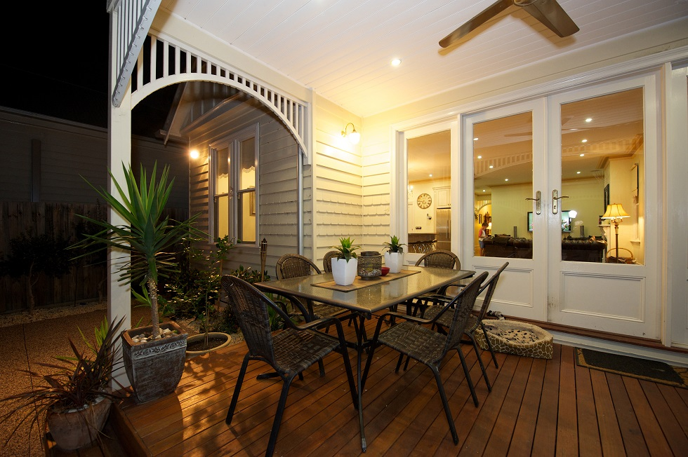 classic-home-renovations-back-decking-design-by-innovative-space-design-melbourne