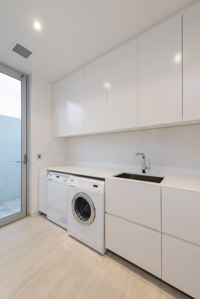 custom-home-design-laundry-area