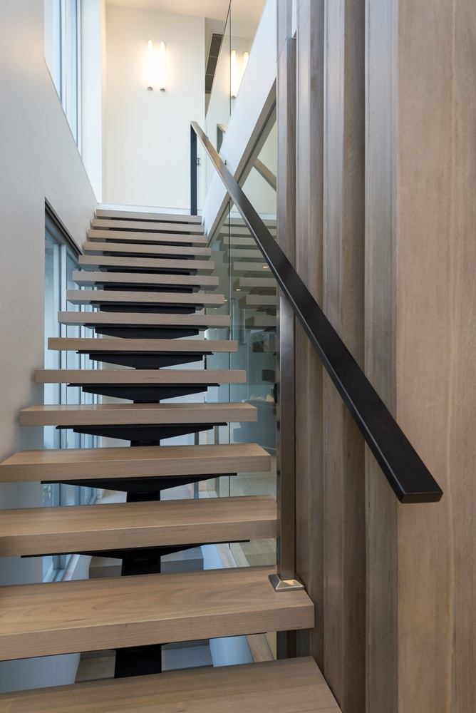 the-strand-home-interior-design-stairs-by-innovative-space-design